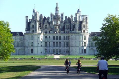 Cyklister vid Chambord slott