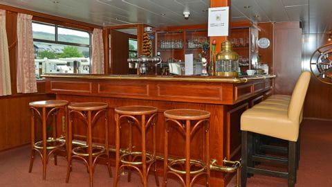 M/S Patria bar