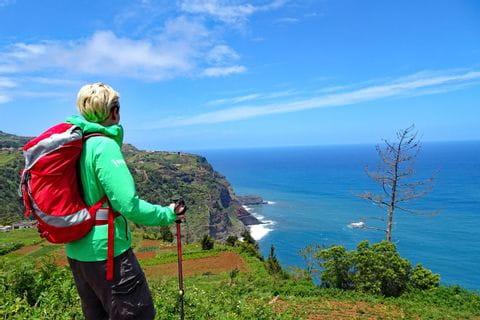 Grandios panorama vid klippan av Madeiras nordkust